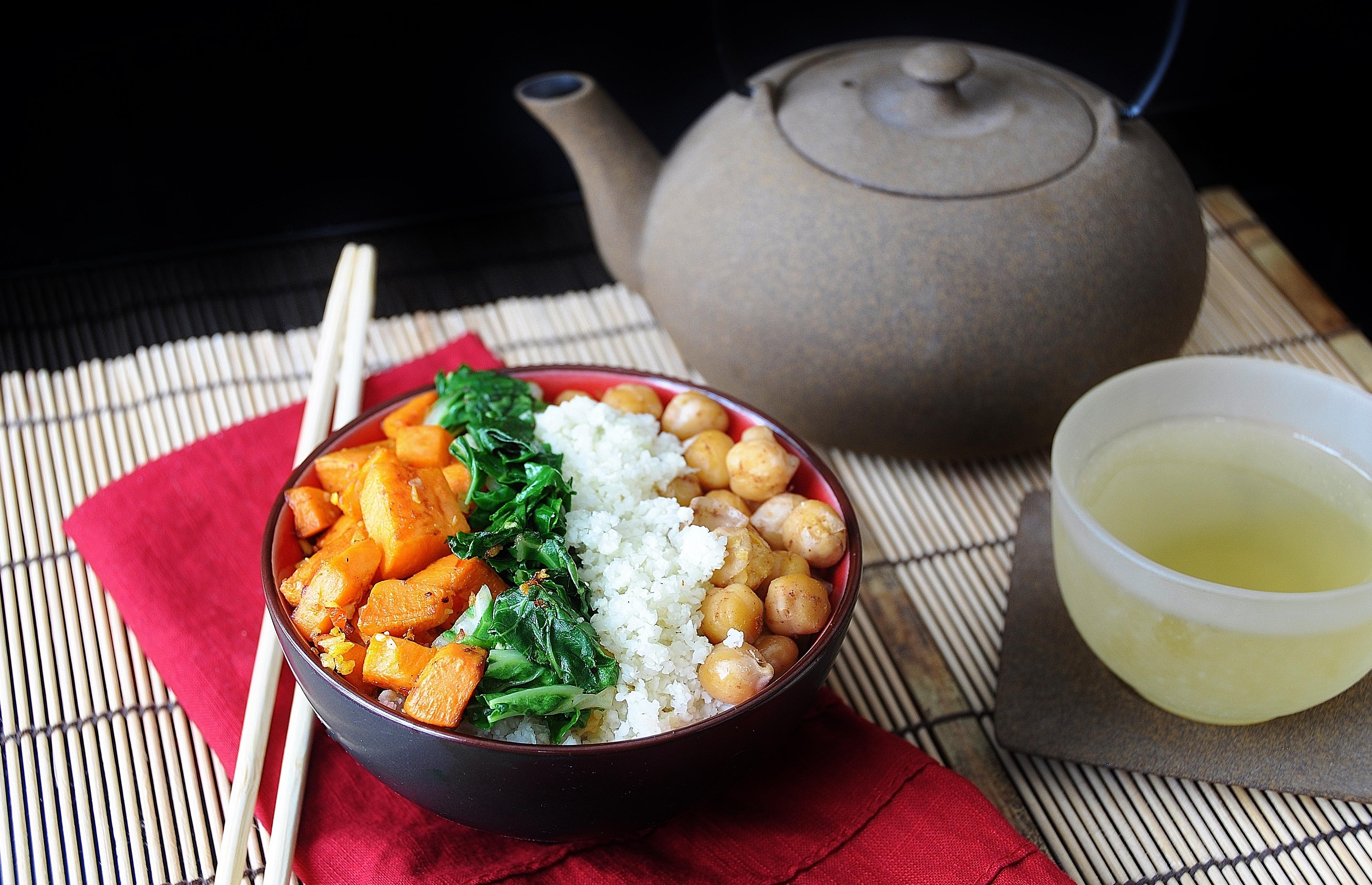 Asian Cauliflower Rice Bowl