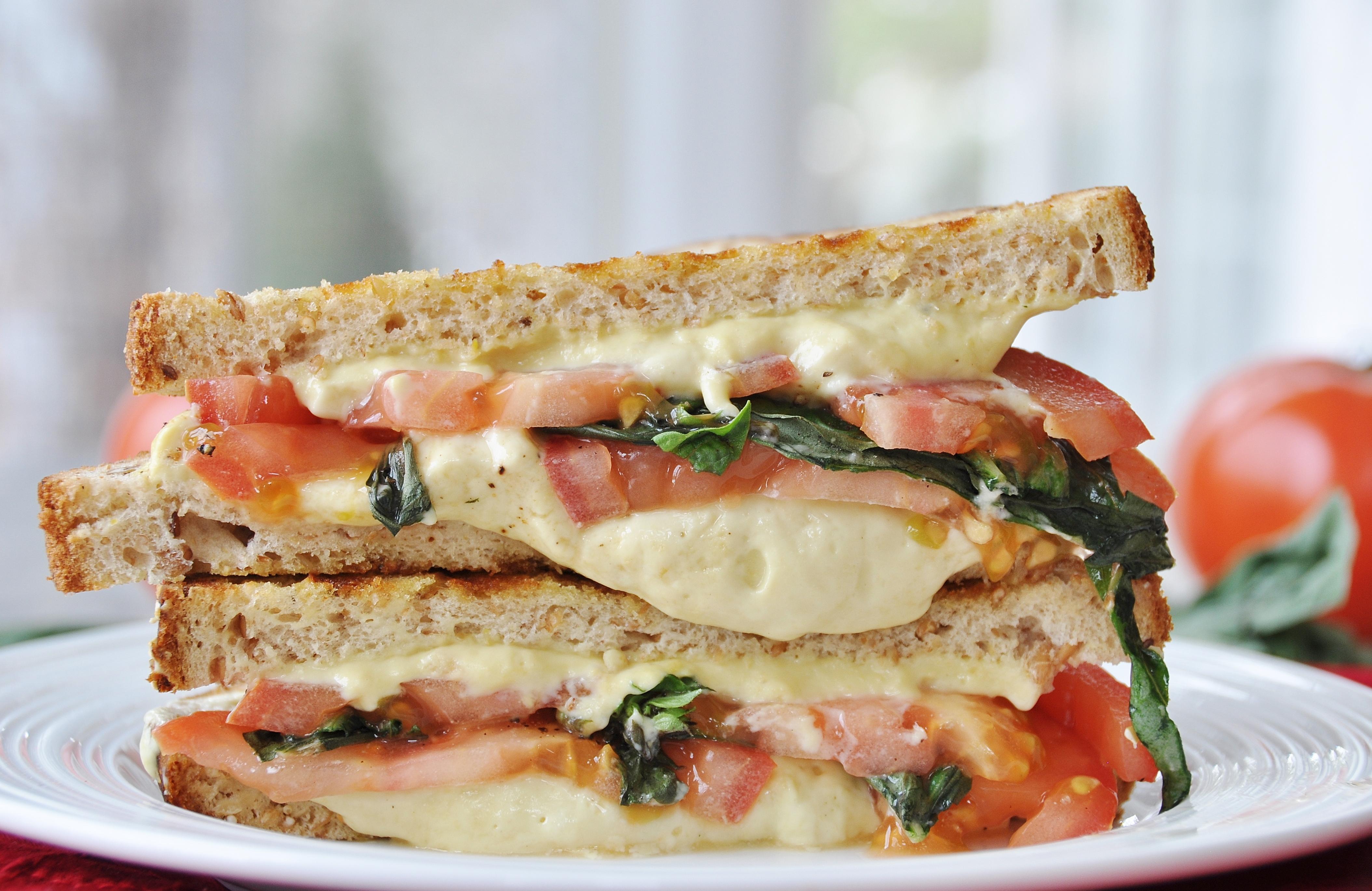 Vegan Tomato Basil Grilled Cheese Sandwich - Veganosity