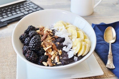 Vegan Berry Banana Bowl 4