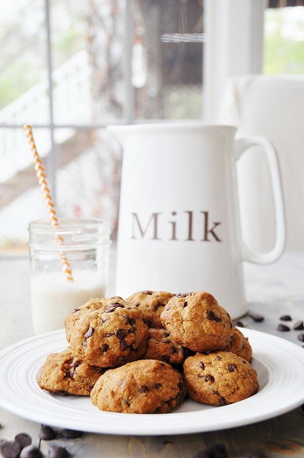 Vegan Dark Chocolate Chip Cookies