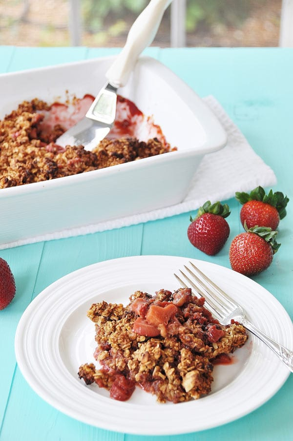 Vegan Gluten-Free Strawberry Rhubarb Crumble