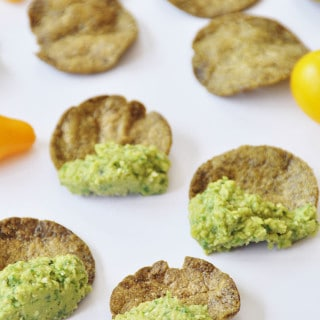 Chickpea and Super Greens Dip + GIVEAWAY