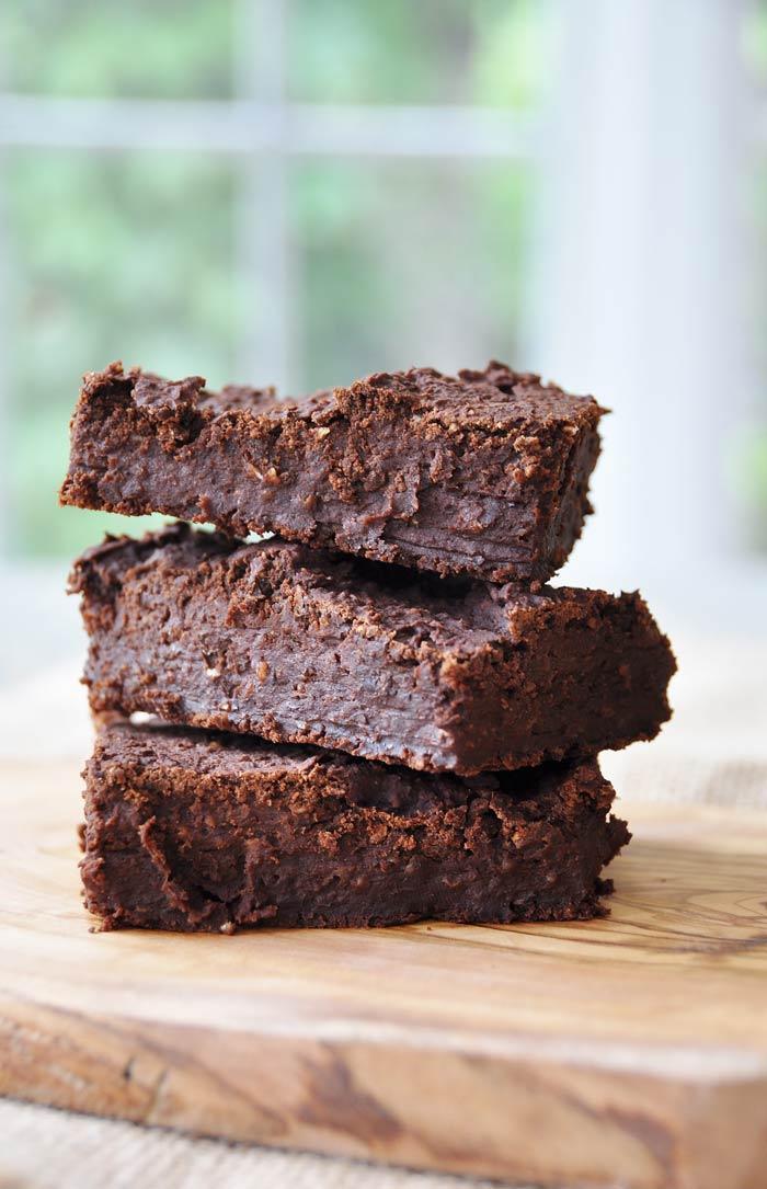 Spicy Vegan Black Bean Brownies - Veganosity
