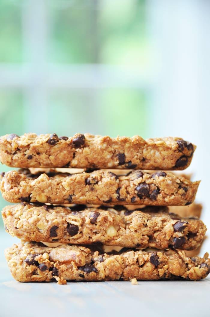 ... make these vegan peanut butter oatmeal chocolate chip granola bars