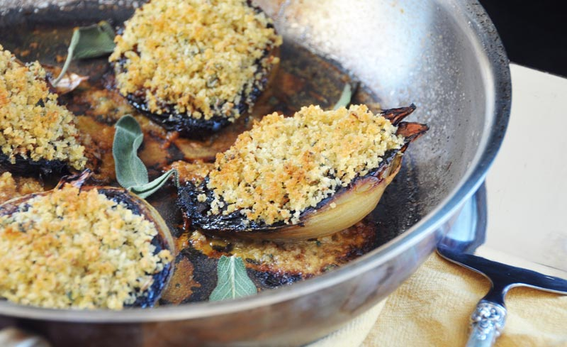 Baked Onions with Fennel