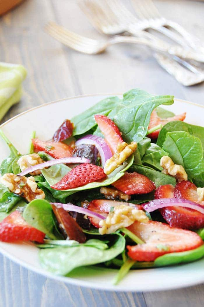 Spring-Spinach-&-Strawberry-Salad-4