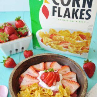Vegan Strawberry Shortcake Smoothie Bowl