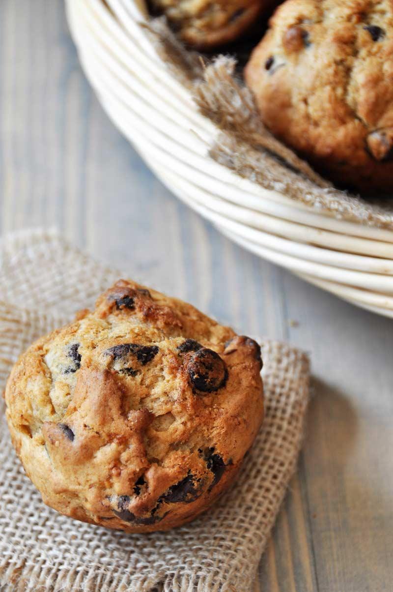 Vegan Chocolate Chip Banana Bread Muffins - Veganosity