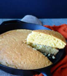 Spicy dairy-free, egg-free, and vegan jalapeño cornbread! So moist and delicious! www.veganosity.com