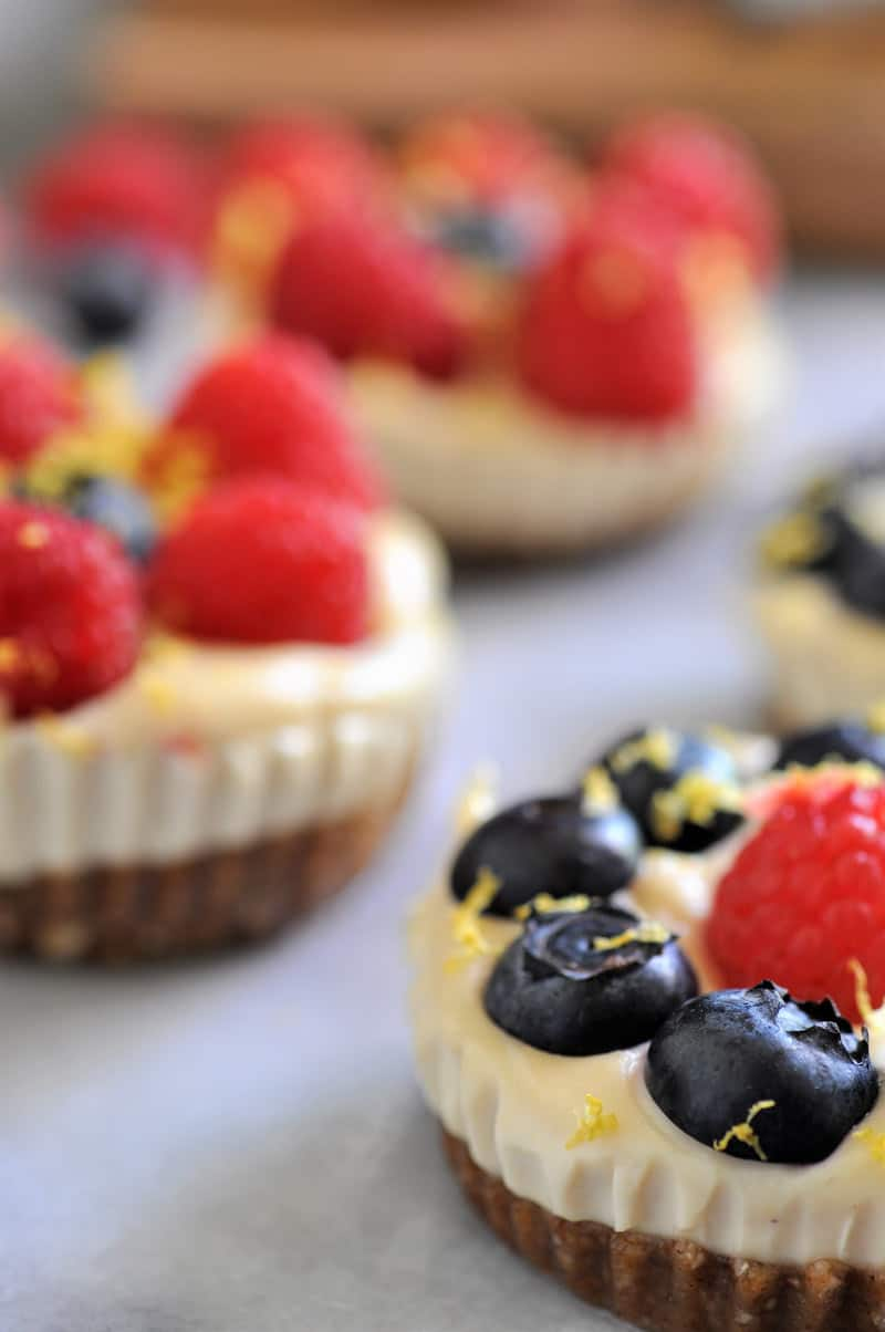 Dairy-free and gluten-free vegan lemon cashew cheesecake tarts
