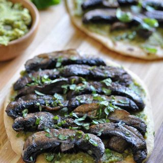 A quick and easy vegan pesto & Portobello mushroom flatbread. The perfect dinner or appetizer.