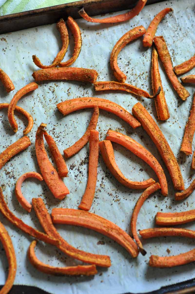 Curried Carrot Fries! Perfectly seasoned oven baked fries made out of carrots!