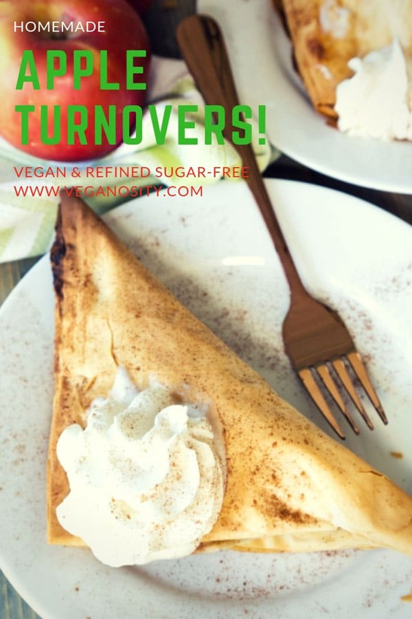 Vegan apple turnovers that are easy to make and refined sugar-free! #vegan #dessert #apples