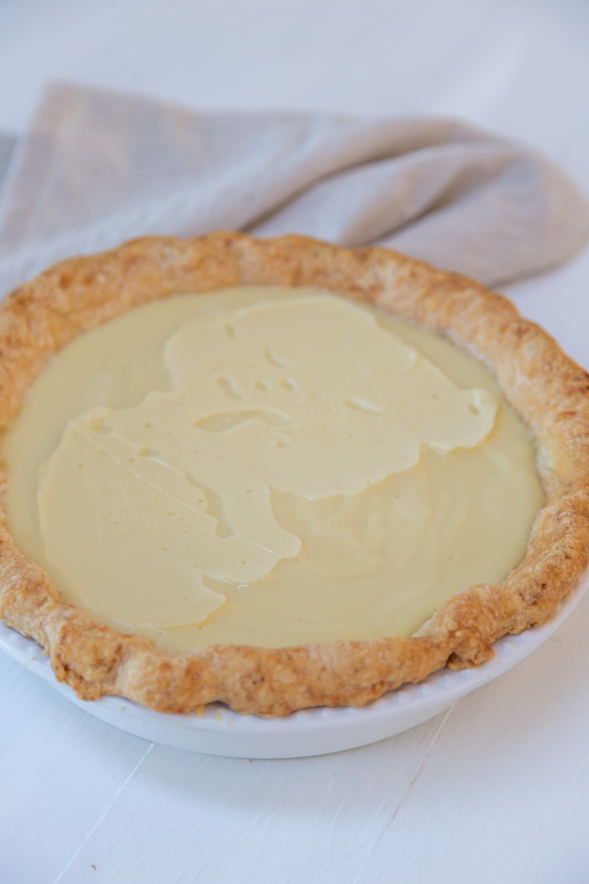 A pie crust with a pudding filling.